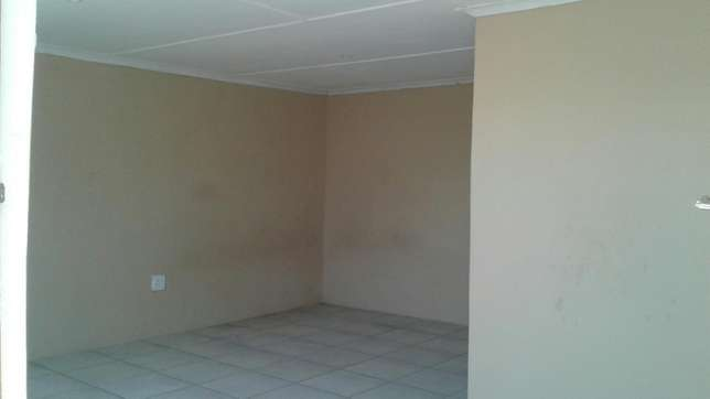 Flat To Rent - Batchelor Greenfields - image 8