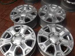 4xFord Ranger 16 inch mags,good condition!!