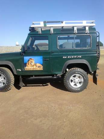 Land rover 2005 defender4x4 in a special condition for u Benoni - image 3