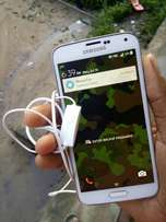 Neatly used Galaxy S5 for sell