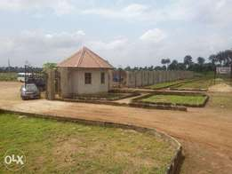 Dry affordable plots of land for sale in a habitable estate at Mowe