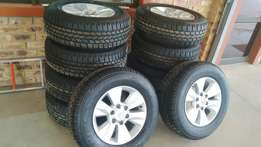 17 inch Toyota Hilux/ fortune Set Of mags With 265/65/17 Michelin A/t