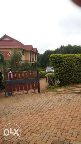villa to let in runda for 300k Nairobi CBD - image 4