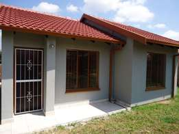 2 beds, 1 bath house in Mahube Valley ext 2 for R4000