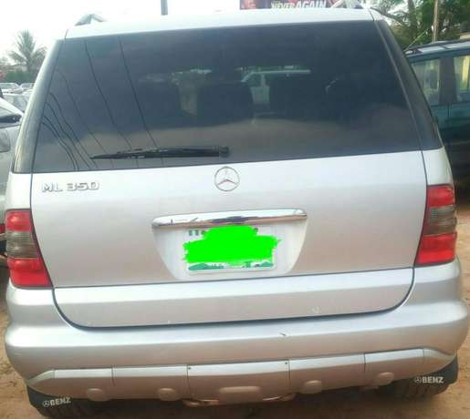 Mercedes Benz ML350 numbered 2005 Benin City - image 2