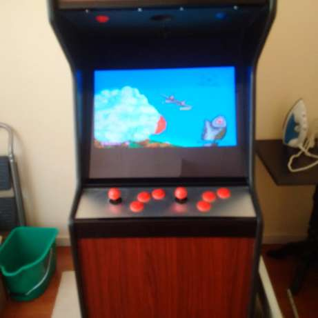 Arcade game with over 400 arcade games from the 80's and 90's for sale Faerie Glen - image 2