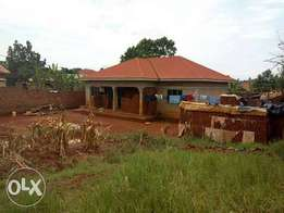 4bedroomed house for sale in namugongo-sonde town at 120m