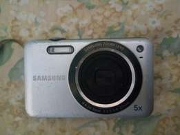 14.2 Megapixels Samsung Digital Camera for Sale
