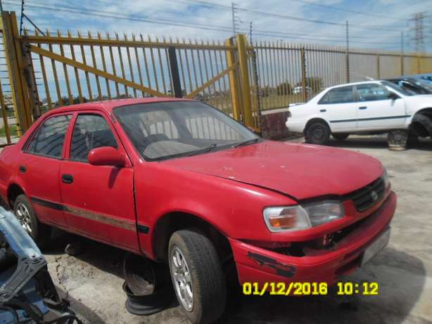 Toyota corolla AE100 stripping for spares Roodepoort - image 2