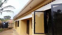 2 bedroom house in Ntinda at 600k
