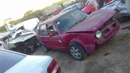 Vw golf with 2l engine and gearbox stripping for spares