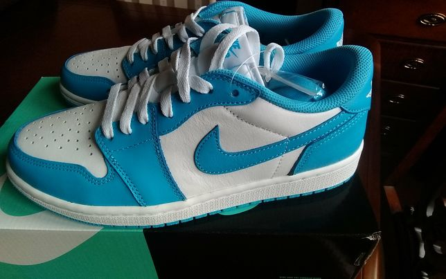 NOWOŚĆ Nike Jordan 1 Low SB UNC r. 41 us 8 uk 7czyli 26