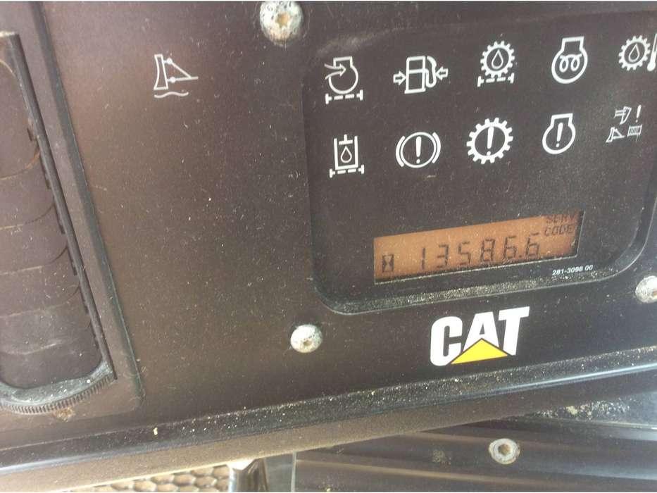Caterpillar D6T - 2011 - image 8