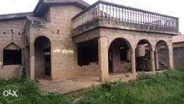 Uncompleted 4 Bedrooms flat (fenced) barnawa phase2