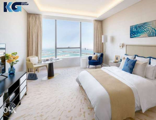 Apartments for sale in Palm Tower in Dubai with pool and rooftop