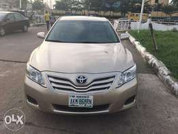 Neatly used Toyota Camry 2007 model buy and drive.