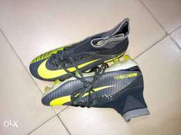 Ankle football boot