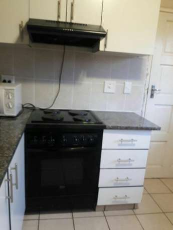 Stove with extractor Yellowwood Park - image 1