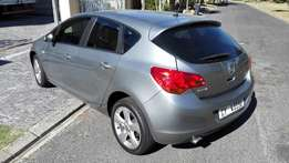 2012 Opel Astra Hatch 1.4 Turbo - Only 83700km Voted car of the year!!