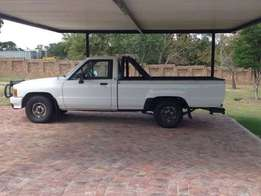 1992 toyota hilux single cab for sale [ R 23 000] Angent sale