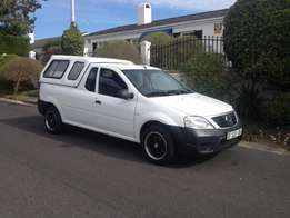 2014 Nissan NP200 1.6 nice small bakkie very lite on petrol