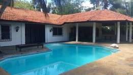 5 bedrooms bungalow to let