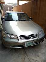 Toyota Camry 2000 model