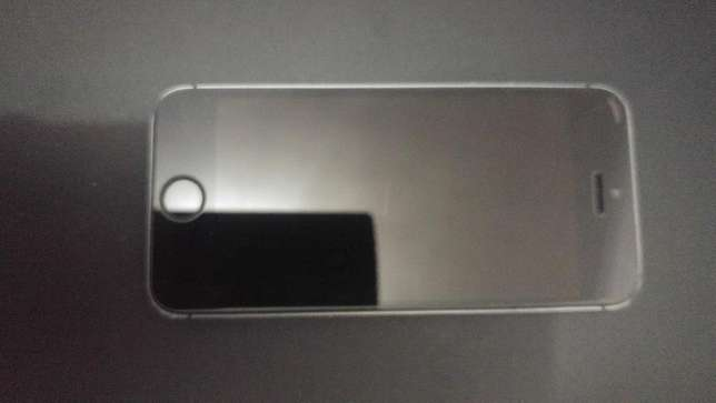 Iphone 5S | 32Gig | Grey | Fully unlocked Cape Town - image 1