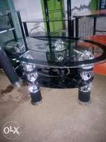 Oval coffee table y
