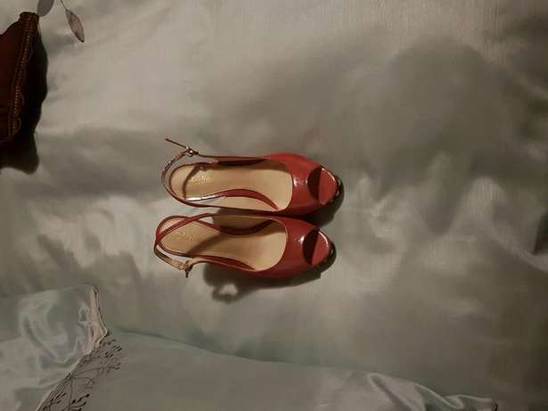 Lovely pair of heels Randburg - image 2