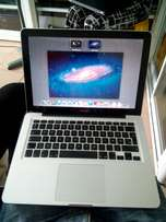 Apple MacBook Pro. 13inch.160ssd/4gbram.
