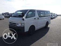 Super Christmas deals Matatu hiace box 7l 2010 auto diesel, finance