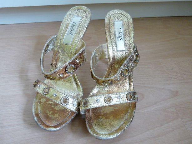 16928b4a18188b Złote klapki sandały na obcasie platformie 37 + gratis Słupsk - image 3