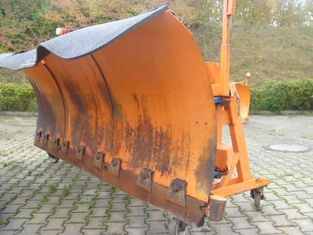 Unimog Schneepflug - Schneeschild Beilhack Pv28-3 - 1991