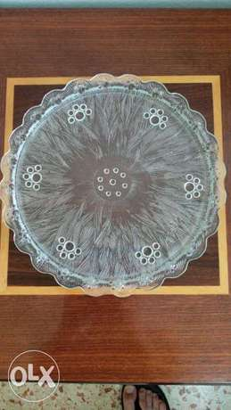 Thick glass plate.