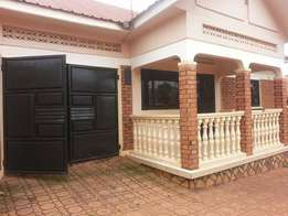 A 3bedroomed (stand alone house) for rent in kisasi-kulambiro at 1m