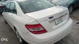 Extreemely sharp and sound firstbody 08 Benz C300 with chilling AC