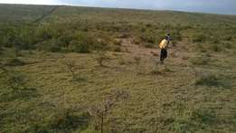 10 acres longonot naivasha road.It is 800mtrs from main road.