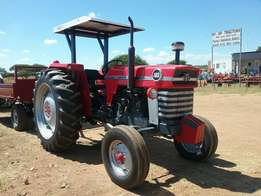 Massey furgeson 165 tractor. Beutifully rebuild with canopy.
