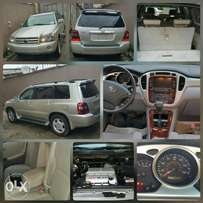 2004 Toyota Highlander limited, 3 row seats.