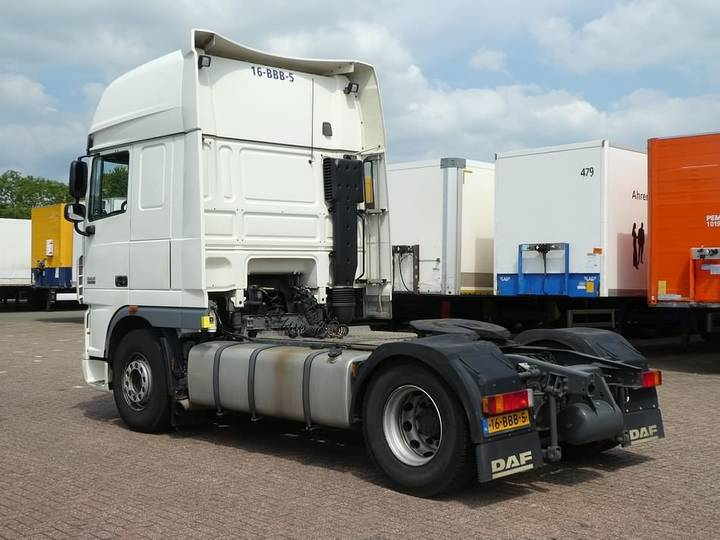 DAF XF 105.460 superspacecab - 2012 - image 3