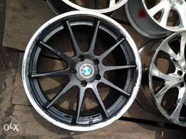 Alloyed rims with first grade tyre for BMW size 19