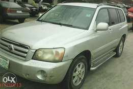 A neat 05 highlander 1st body &