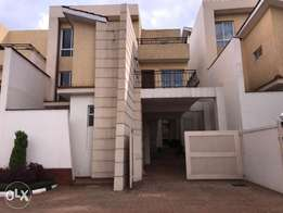 Tripple storied townhouse in Kyuna- 5 bedrooms with self contained DSQ