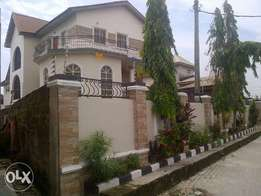 Detached 5 Bedroom + 2 Living Rooms Triplex House on 975m2, Ajah