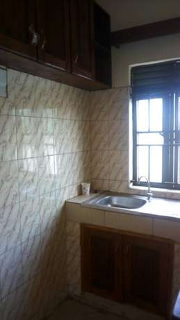 Superior self contained double for rent in najera at 250k Kampala - image 4