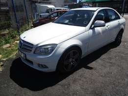 2008Mercedes benz,white in color,4 doors,117 000km,excellent condition