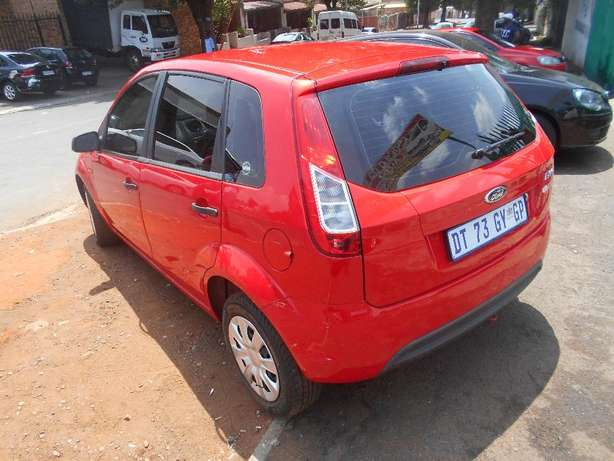 Ford figo 2013 model 1.4 red in color hatshback 14000km R89000 Johannesburg CBD - image 2