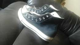 selling all star Converse size 3