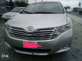 Neatly Used Toyota Venza 011